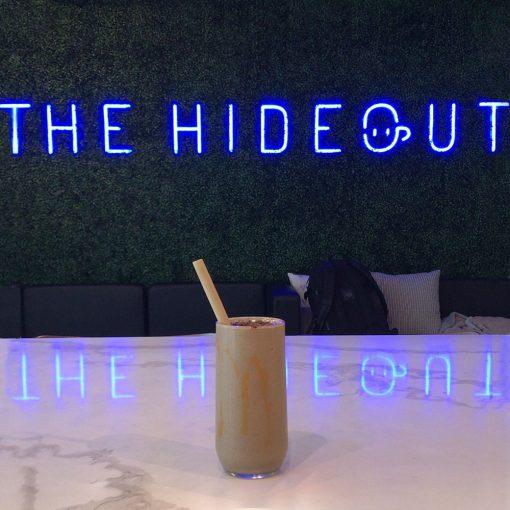 Néon LED bleu pour The Hideout