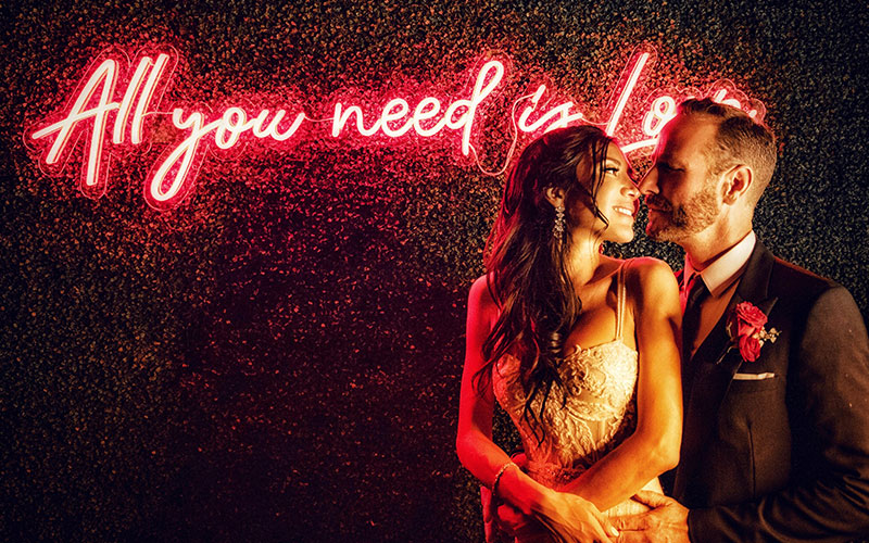 neon mariage LED All you need is love la maison du neon