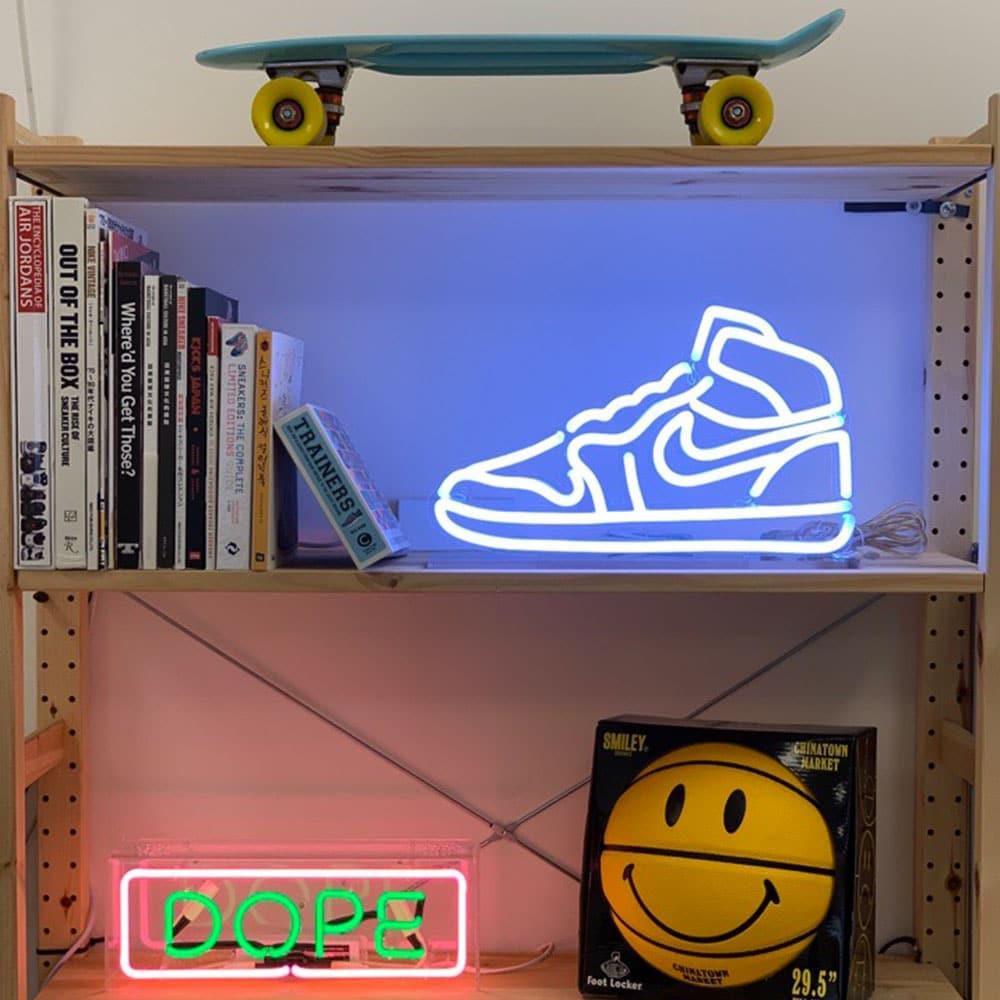 neon air jordan 1 LED nike sneaker deco la maison du neon