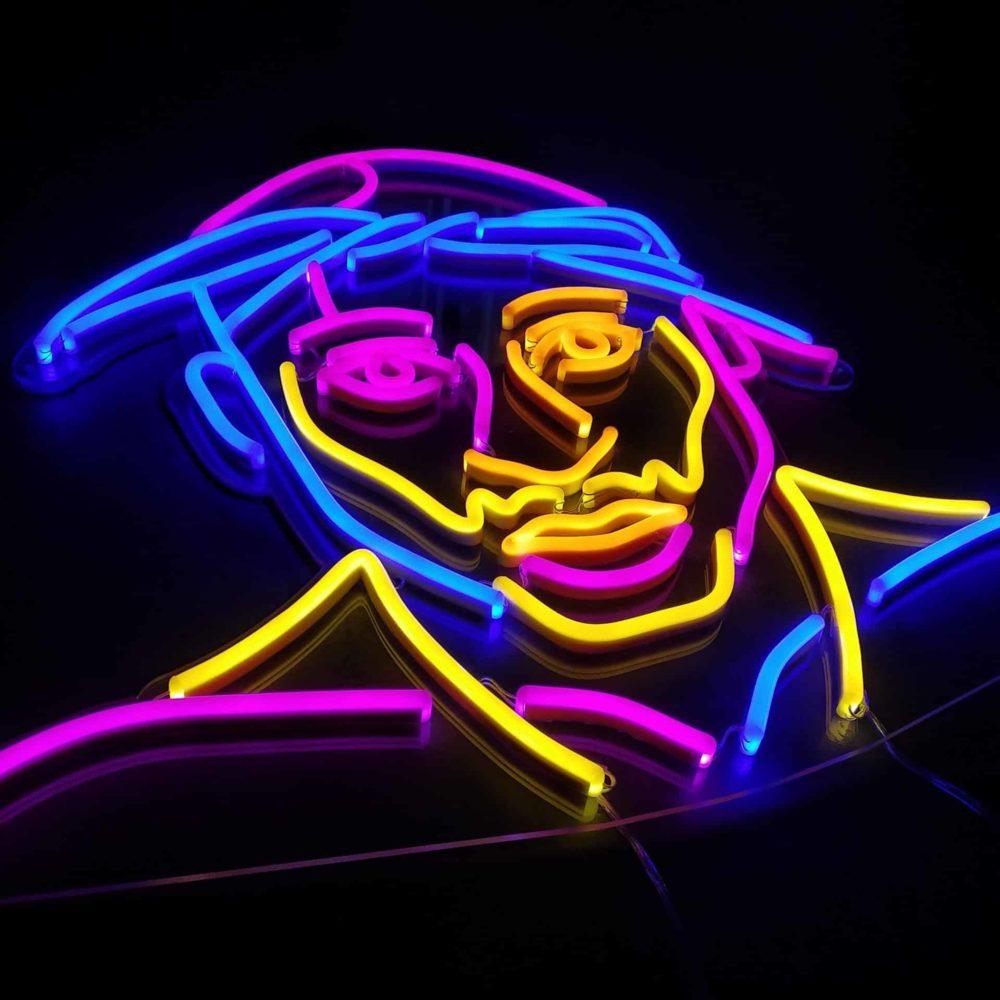portrait tupac neon coloré