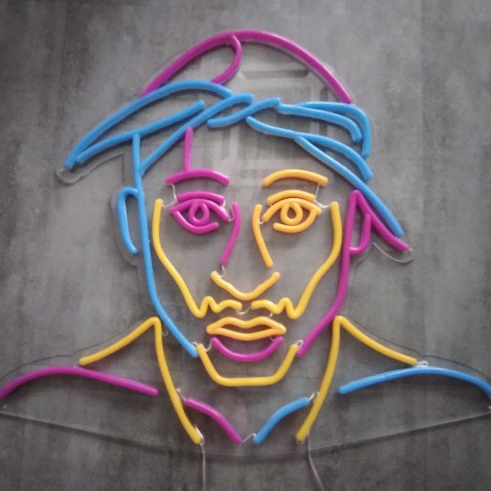 PORTRAIT Neon Tupac coloré éteint