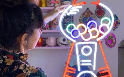 Neon deco : les objets iconiques des années 90