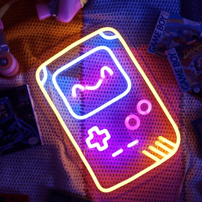 POULETTE MAGIQUE neon gameboy allumé