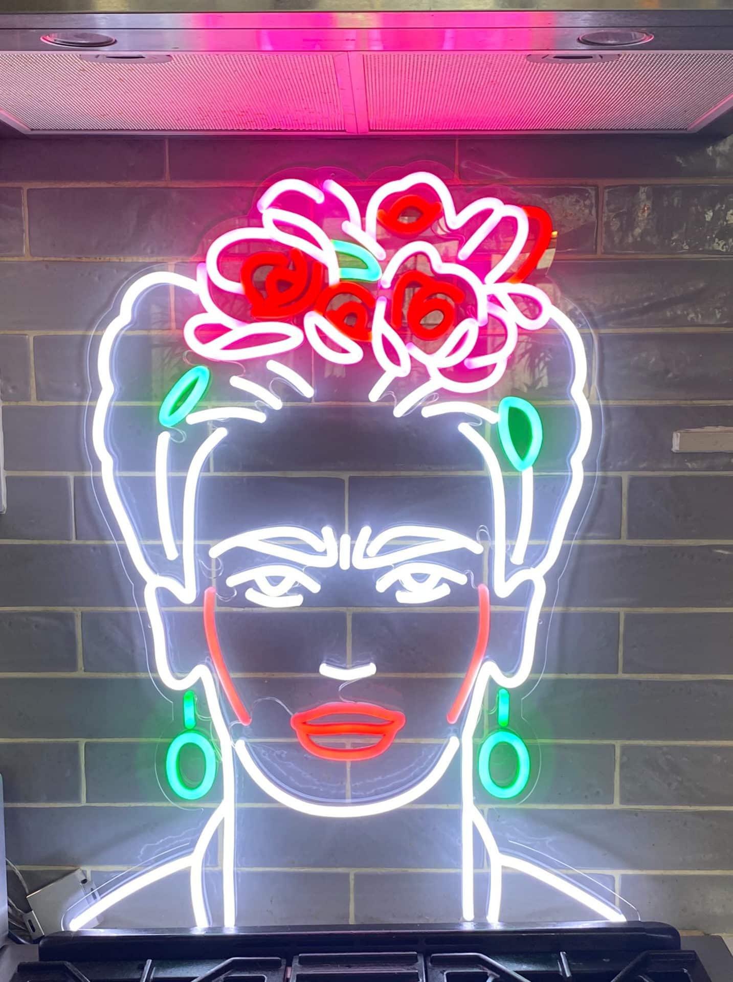 PORTRAIT Frida Kahlo neon couleur hp